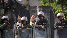 Tintori entra en la cárcel donde está preso Leopoldo López tras un mes sin visitas