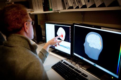 Científicos japoneses desarrollan dispositivo para leer la mente