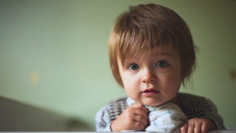 Uso de dispositivos móviles podría retrasar el desarrollo del habla en niños pequeños