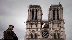 Policía hirió a un atacante frente a la Catedral de Notre Dame en París