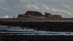 Misterioso barco hundido aparece 132 años después en un campo de maíz