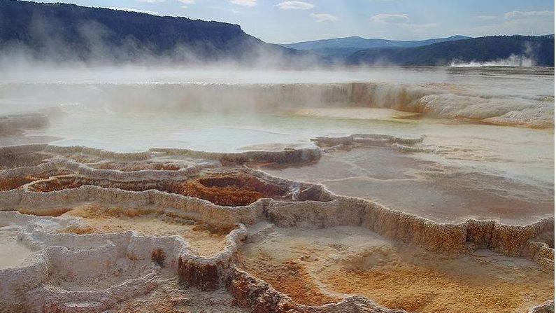 Volcanes como Yellowstone, son una bomba de tiempo llena de lava