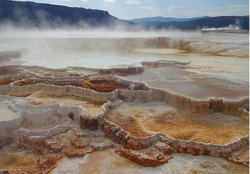 Volcanes como yellowstone son una bomba de tiempo llena for Temperatura lava