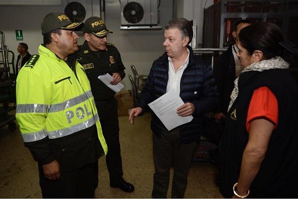 """Juan Manuel Santos sobre la explosión en Bogotá: """"Con los responsables no habrá tregua"""""""