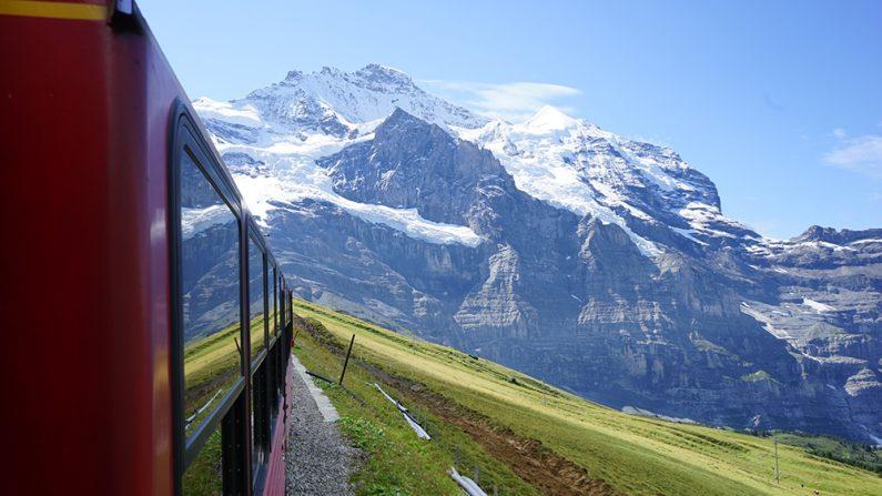 Qué tal un viaje en tren por los lugares más impactantes del mundo