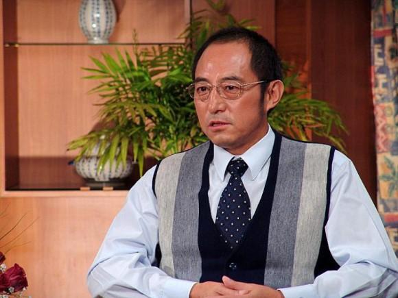 El Profesor de derecho chino exiliado y escritor disidente Yuan Hongbing en una foto de archivo sin fecha. (Chen Ming / La Gran Época)