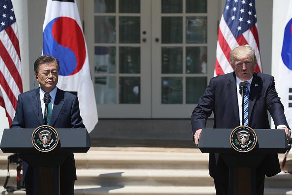 Donald Trump se reunió por primera vez con su homólogo de Corea del Sur, Moon Jae-in (Getty Images)