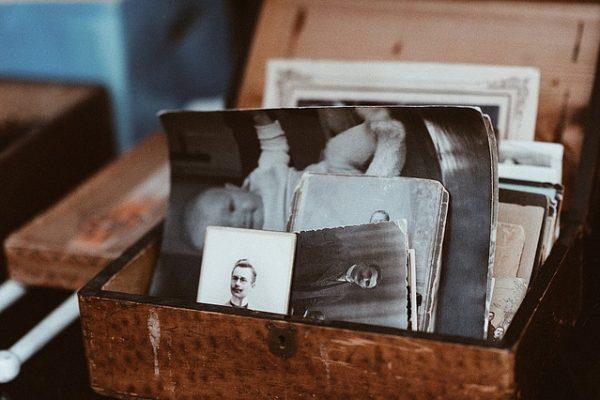 Fotos y valija antigua