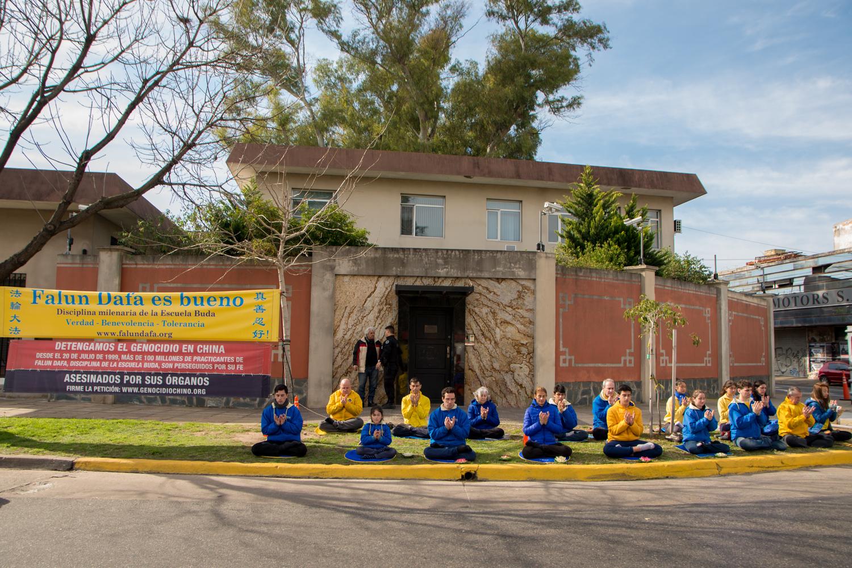 Ciudades hispanas piden por el fin del genocidio contra Falun Dafa en China