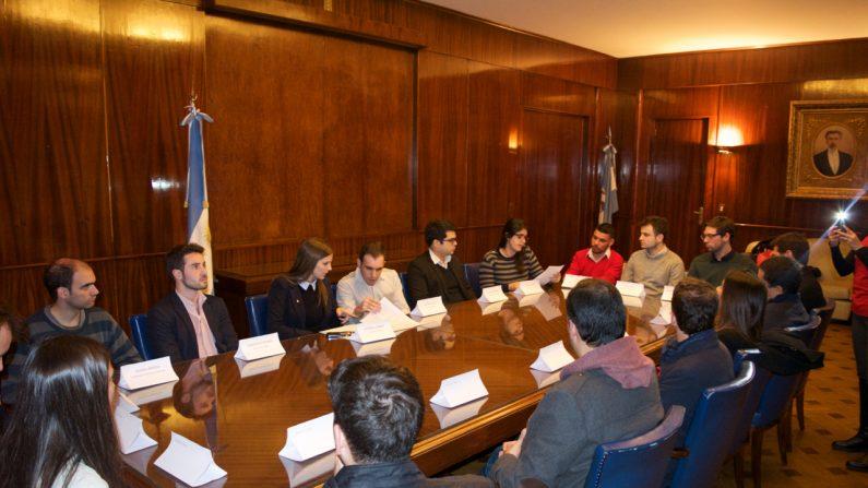 Algunos de los jóvenes pertenecían a instituciones argentinas y otros eran venezolanos que están viviendo en Argentina (Foto: La Gran Época)