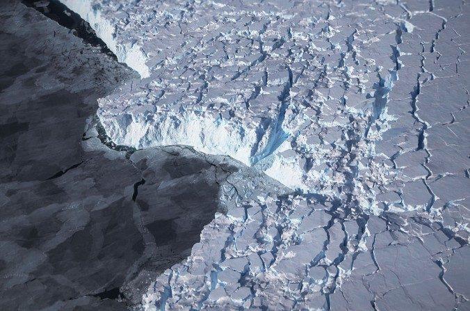 Rotura de hielo en la Antártida. (Mario Tama/Getty Images)