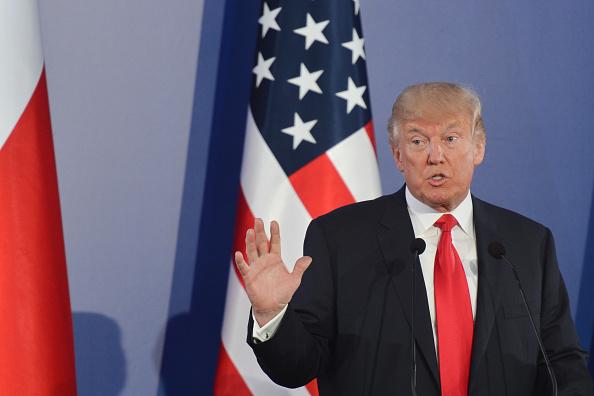 """Trump: """"Occidente nunca será destruida"""" luchando con """"fe y tradición"""""""