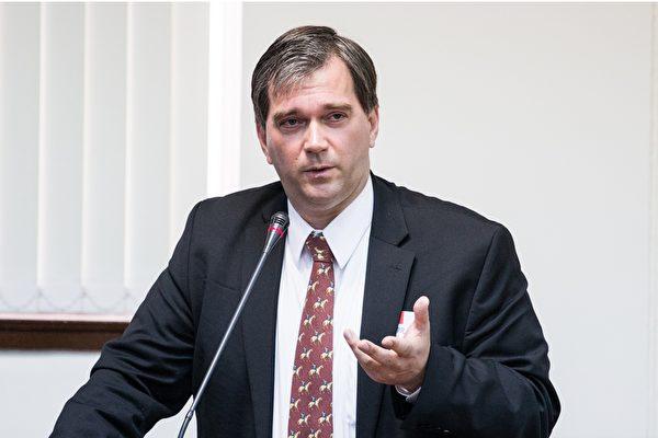 El doctor Torsten Trey, director ejecutivo de Médicos Contra la Sustracción Forzada de Órganos (DAFOH). (Chen Baizhou / La Gran Época)