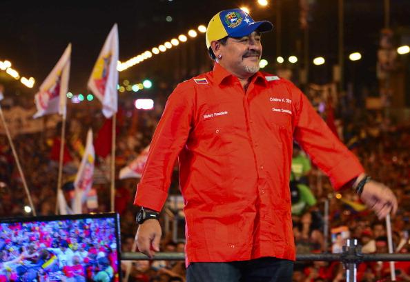Capriles critica a Maradona por apoyar a Maduro