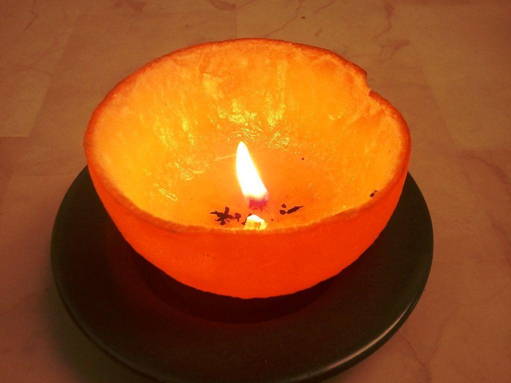 ¡Novedosas velas hechas con naranjas para adornar los espacios de tu hogar!
