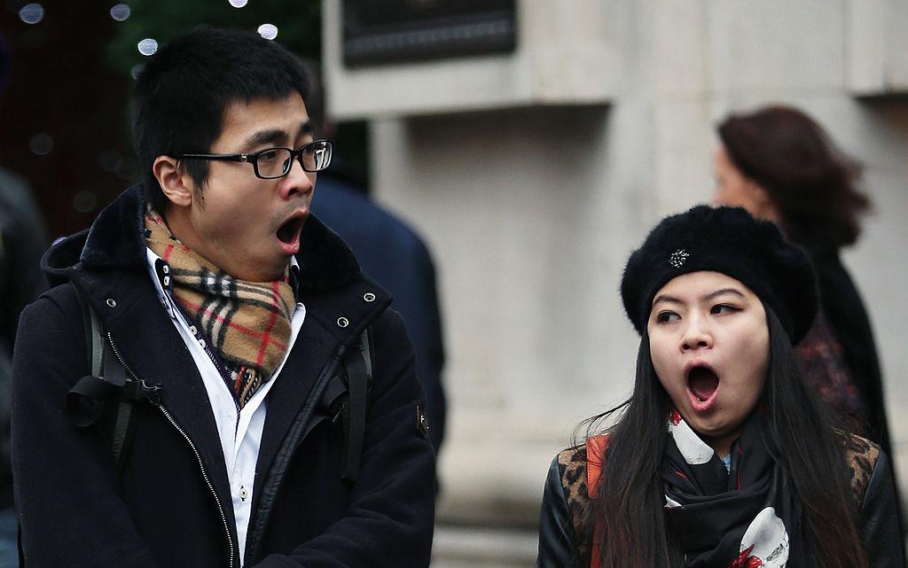 ¿Quieres saber por qué los bostezos son contagiosos e inevitables?