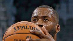 El jugador de la NBA que vivió en carne propia el paso de Harvey y debió ser rescatado en bote