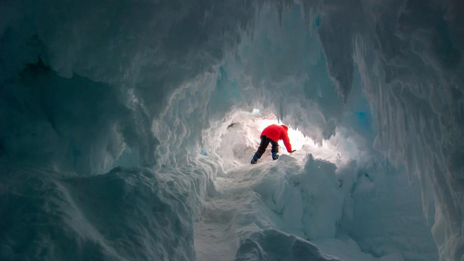 La Antártida podría albergar vida desconocida  en cuevas de un volcán activo