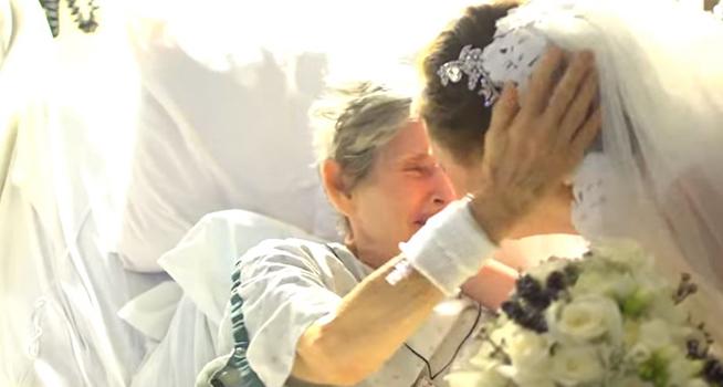 El día de su boda esta novia sorprende a su abuela de una manera que te dejará en lágrimas