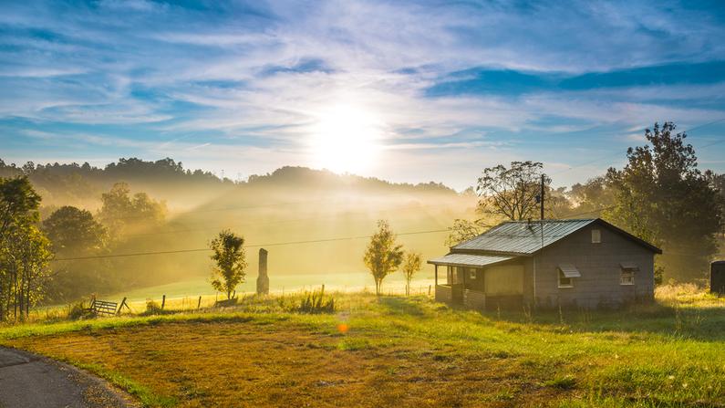 Una solitaria casa en Kentucky. Imagen Ilustrativa. (Patrick Jennings/Shutterstock)