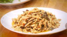 Cocina de Sichuan: pechuga de pollo desmenuzada Yushiang