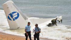 Avión de ejército francés se estrella en medio de tormenta eléctrica