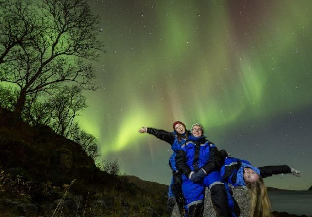 Registran imponentes auroras antes de la tormenta magnética del viernes