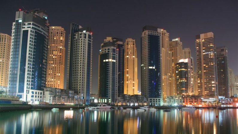 En este trabajo pagan miles de dólares con la única condición de mudarse a Dubái