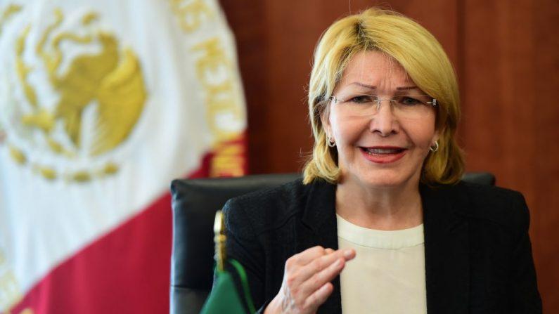 La ex fiscal general venezolana Luisa Ortega habla durante una conferencia de prensa en el Senado de México en Ciudad de México, el 1 de septiembre de 2017. (RONALDO SCHEMIDT / AFP / Getty Images)