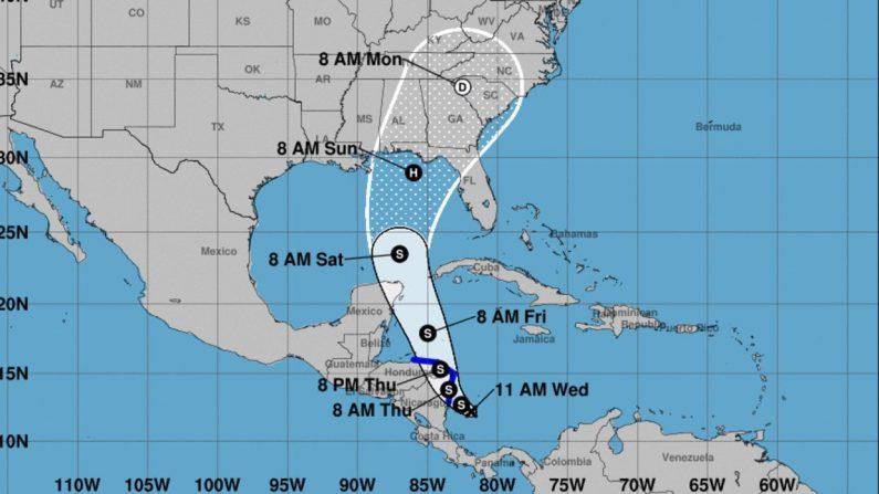 Posible trayectoria de la depresión tropical que según el Centro Nacional de Huracanes podría llegar a EE.UU. como huracán este fin de semana. (NOAA)