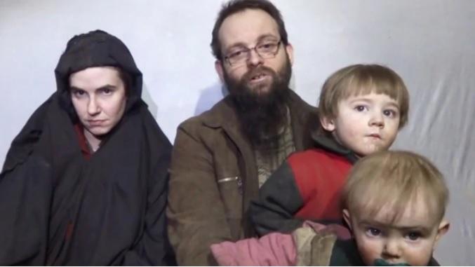 Familia secuestrada por talibanes por fin ve la libertad después de 5 años