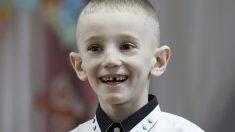 """Se burlaban de sus orejas de """"elfo"""" y con solo 6 años tuvo que operarse para volver a sonreír"""