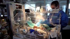 Nace bebé con una enorme marca negra en la cara y la apodan 'La Batibeba'