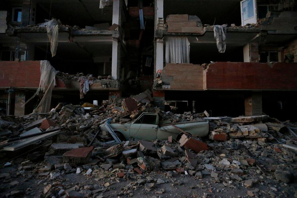 Más de 300 muertos y 4.000 heridos por un potente terremoto en la frontera entre Irán e Irak
