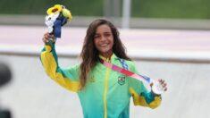Rayssa Leal de 13 años gana medalla de plata en skateboarding en Tokio: ¡La más joven de Brasil!