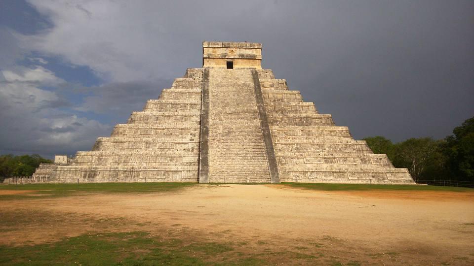 Un pasadizo secreto entre pirámides podría revelar el misterio de los mayas