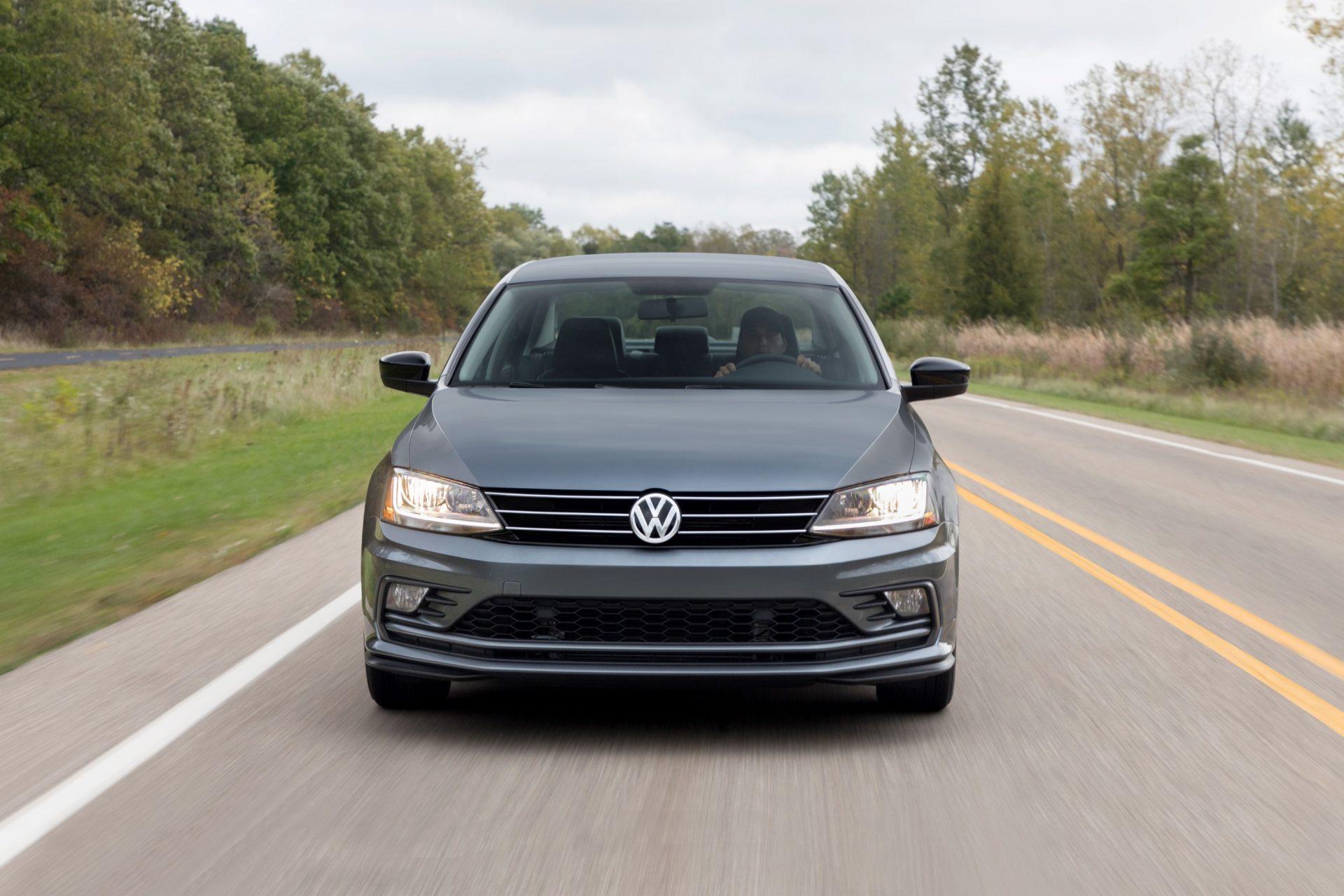 """Volkswagen Jetta… dejando ver sus """"arrugas"""""""
