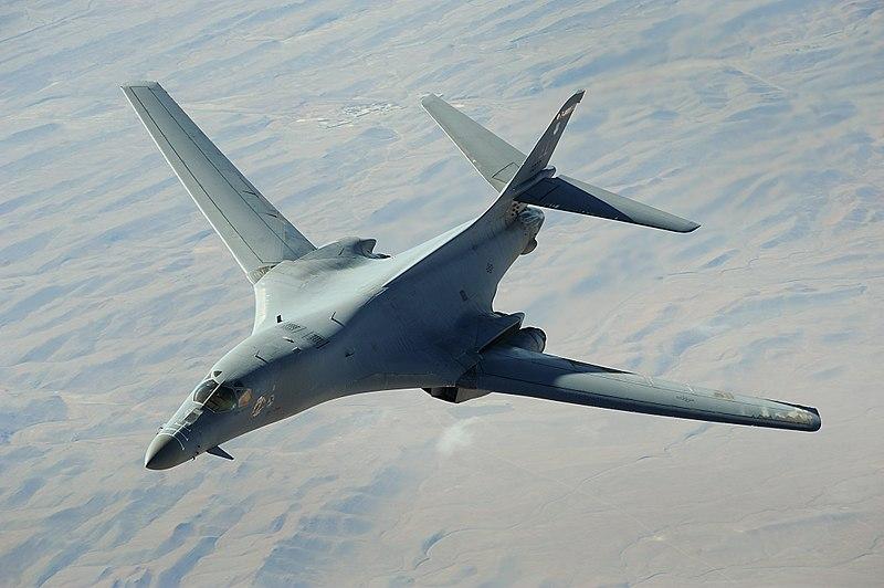 Tensión con Corea del Norte: el estratégico bombardero supersónico B-1B sobrevuela la península de Corea