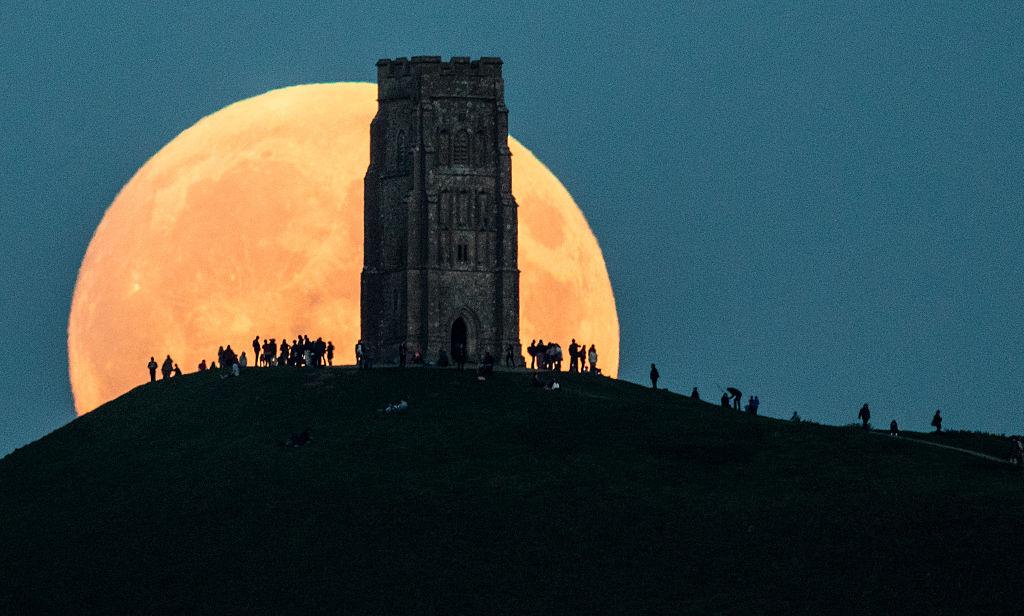La tercera y última Súper Luna del año festejará el equinoccio y el paso de un asteroide cercano