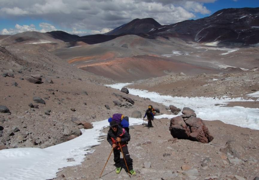 Los excursionistas ascienden el Aconcagua y 'algo' los sorprende. Su rápida reacción les salva la vida