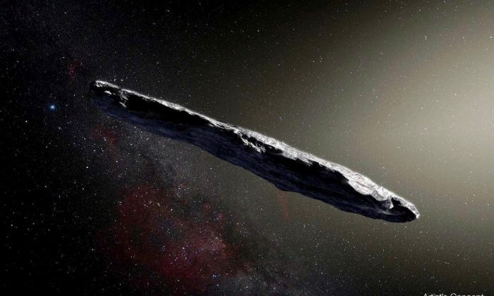 Imagen de un artista muestra el primer asteroide interestelar Oumuamua. Este objeto único fue descubierto el 19 de octubre de 2017 por el telescopio Pan-STARRS 1 en Hawaii. (Observatorio Europeo Austral/M. Kornmesser)