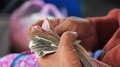 La compañía de seguros le da a la pareja de ancianos plazo límite para morir—o no recibirán nada