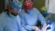 Removerán un tumor facial de 5 kilos que amenaza con romper el cuello de un niño cubano