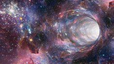 Stephen Hawking propuso 3 formas de viajar en el tiempo, ¿será posible?
