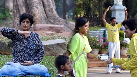 Vivió 15 años con dolor y ahora viaja por la India compartiendo el hallazgo que le cambió la vida