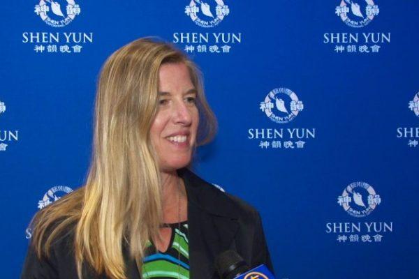 Alcalde encuentra en Shen Yun historias mágicas