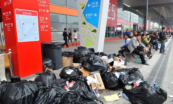 Mientras China prohíbe la importación de desechos extranjeros, trata con sus propios problemas de basura