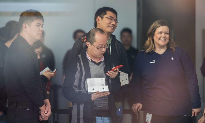 En una nueva jugada para ganar ventaja mundial, China intenta atraer a los extranjeros en ciencia y tecnología con un nuevo programa de visas