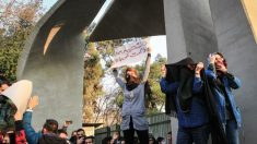 Iraníes arriesgan sus vidas pidiendo el fin del régimen islámico