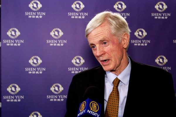 El ex secretario de Estado David Kilgour elogia a Shen Yun por presentar la cultura tradicional china